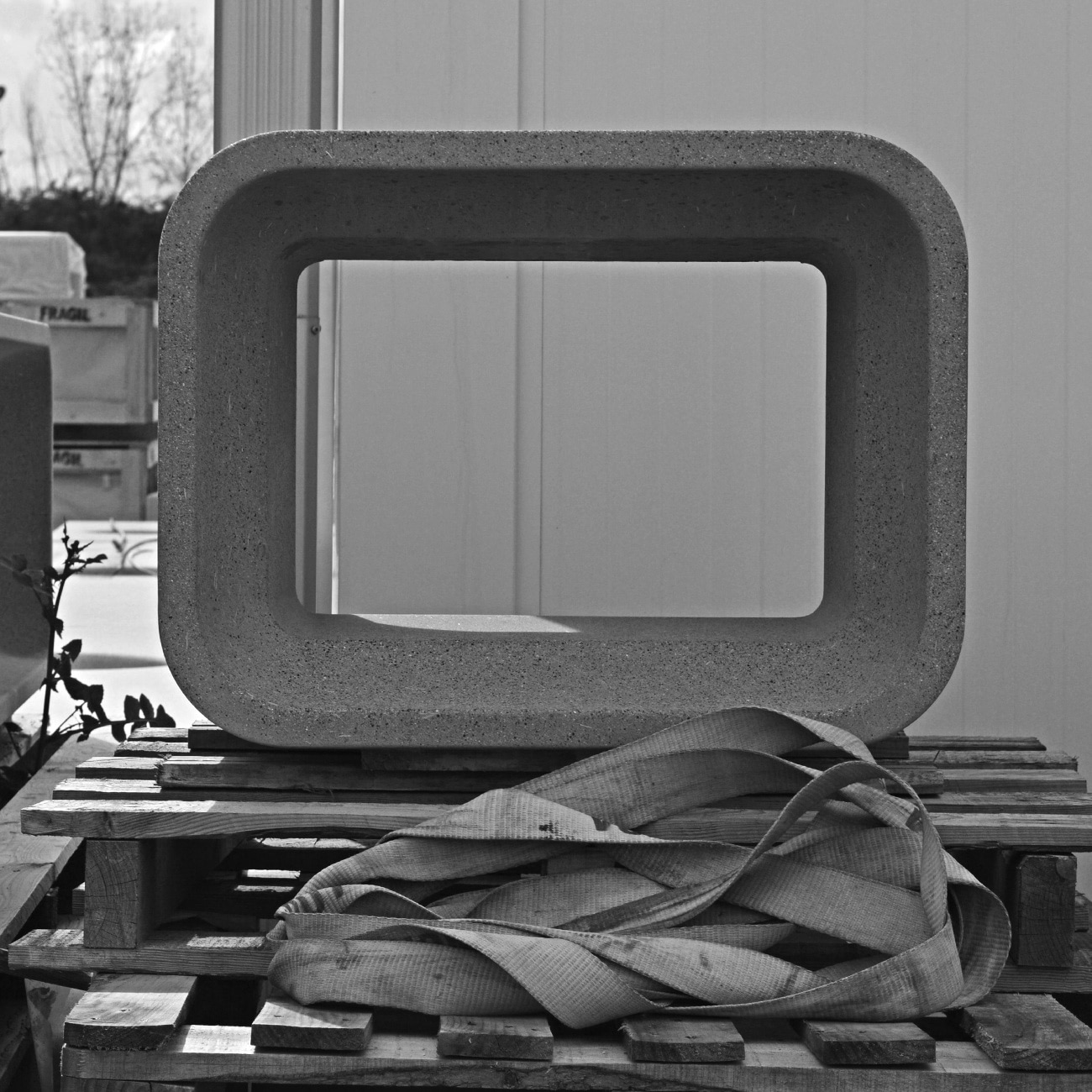 MOM bench & stool. Escofet